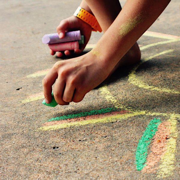street-chalk_t20_neeElO